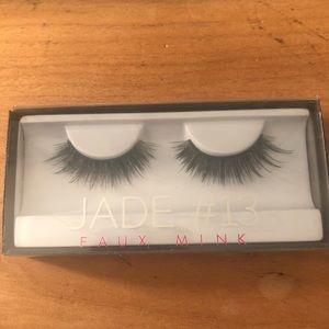 Huda Beauty Jade #13 Faux Mink Lashes